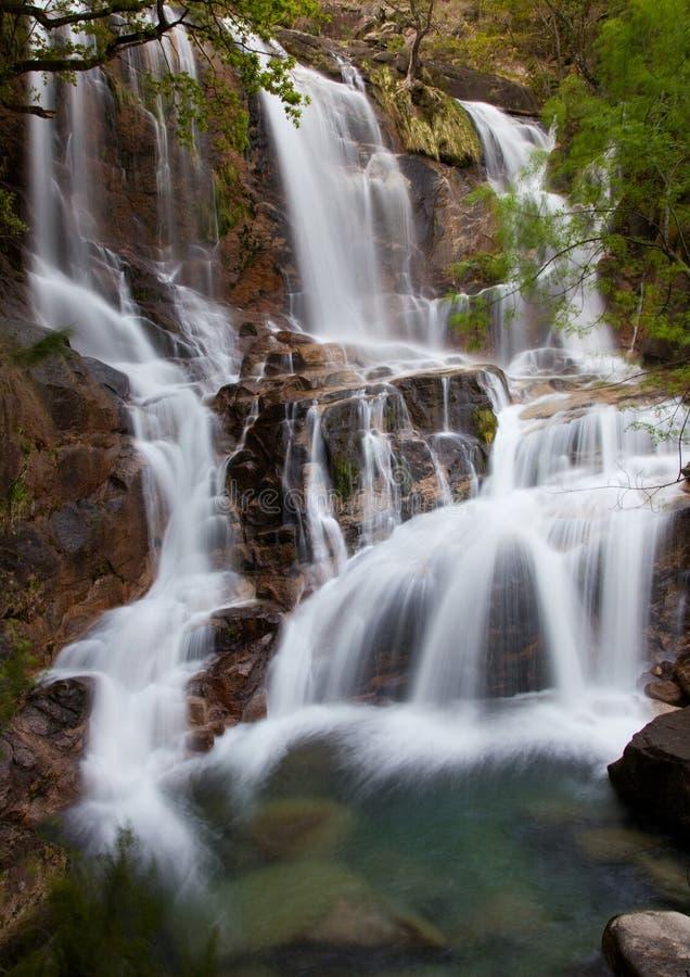 Waterval in het Portugese nationale park van Geres royalty-vrije stock fotografie