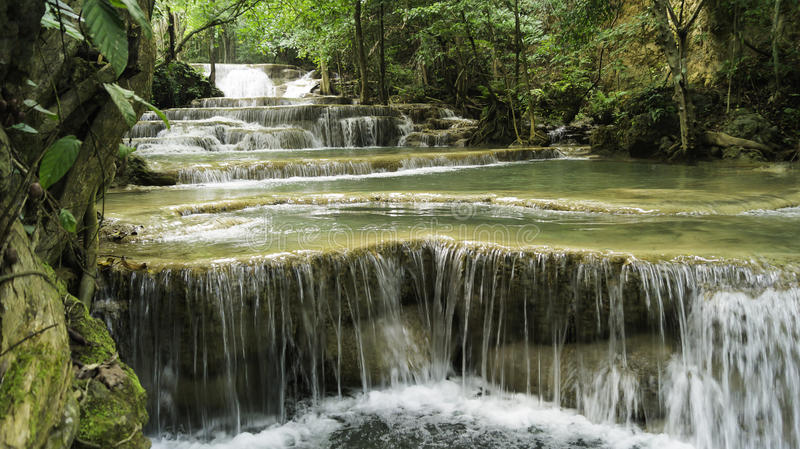 Waterval inThailand stock afbeelding