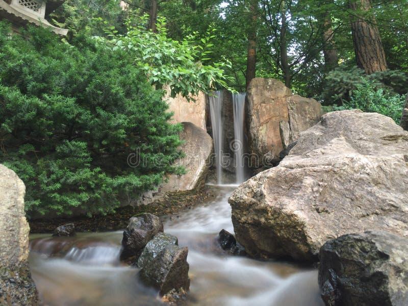 Waterval in Japanse Gargens royalty-vrije stock afbeeldingen