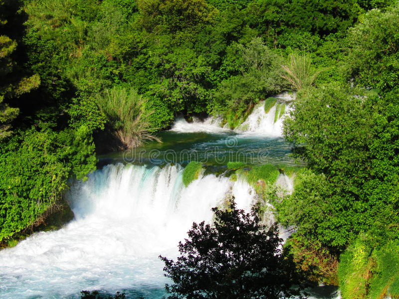 Waterval in Krka nationaal park Kroatië stock afbeelding