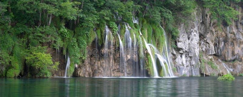 Waterval in meer Plitvice (jezera Plitvicka) royalty-vrije stock fotografie