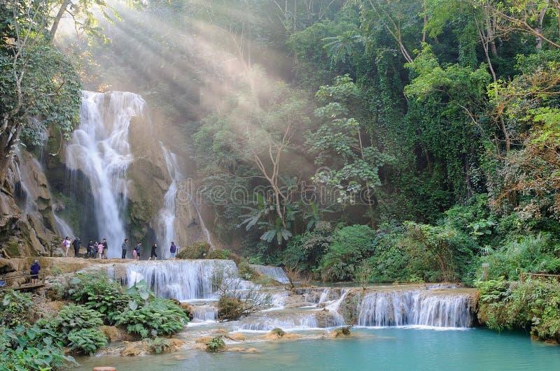 Waterval met lichtstraal in Luang Prabang, Laos royalty-vrije stock fotografie