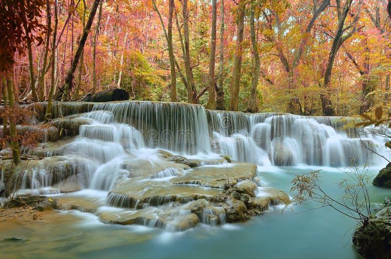 Waterval mooie kleurrijk stock foto's