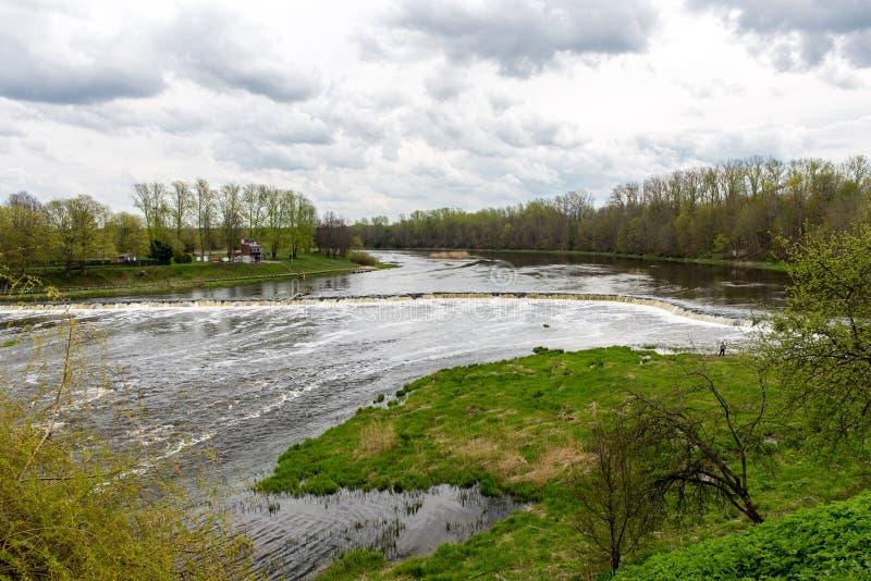 Download Waterval op de rivier stock afbeelding. Afbeelding bestaande uit naughty - 54077665