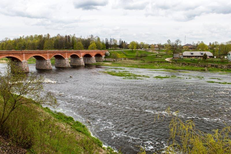 Download Waterval op de rivier stock afbeelding. Afbeelding bestaande uit installatie - 54077971