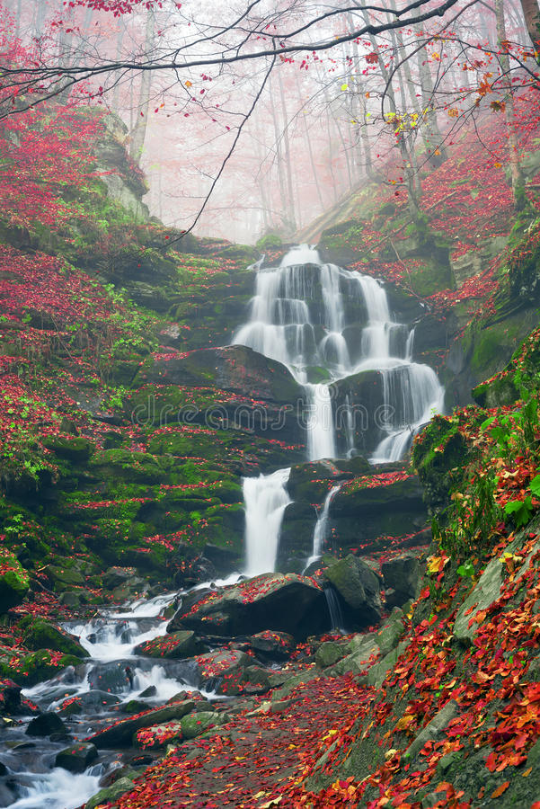 Waterval Shepit Transcarpathië royalty-vrije stock fotografie