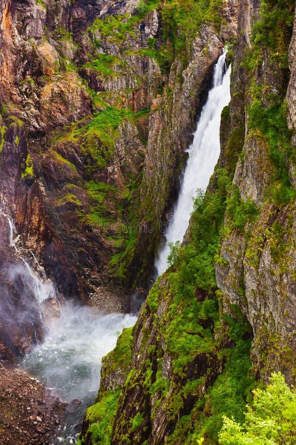 Waterval Voringfossen in Hardanger Noorwegen stock fotografie