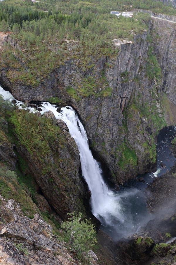 Waterval in Voringfossen in Noorwegen stock afbeeldingen