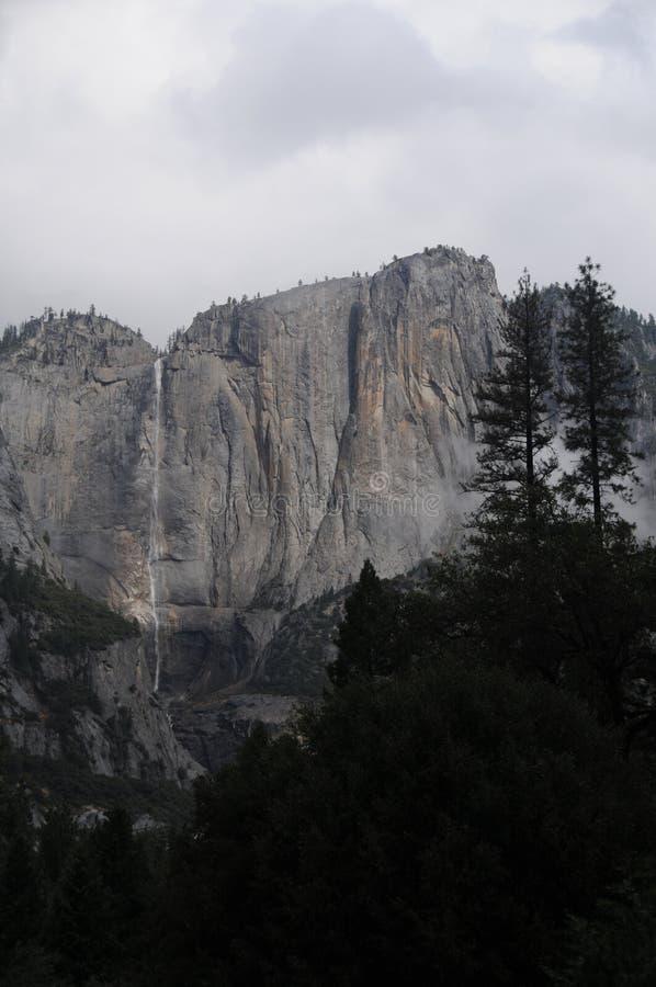 Waterval in Yosemite stock fotografie