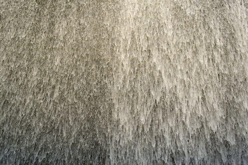 Watervalcascade met wit schuim royalty-vrije stock foto