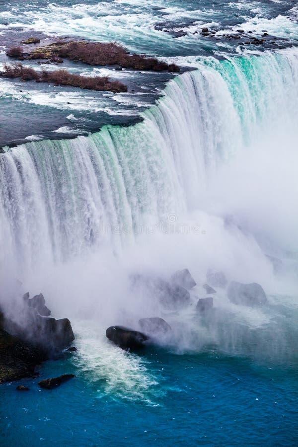 Watervallen, aardmacht Niagaradalingen, luchtmening royalty-vrije stock foto