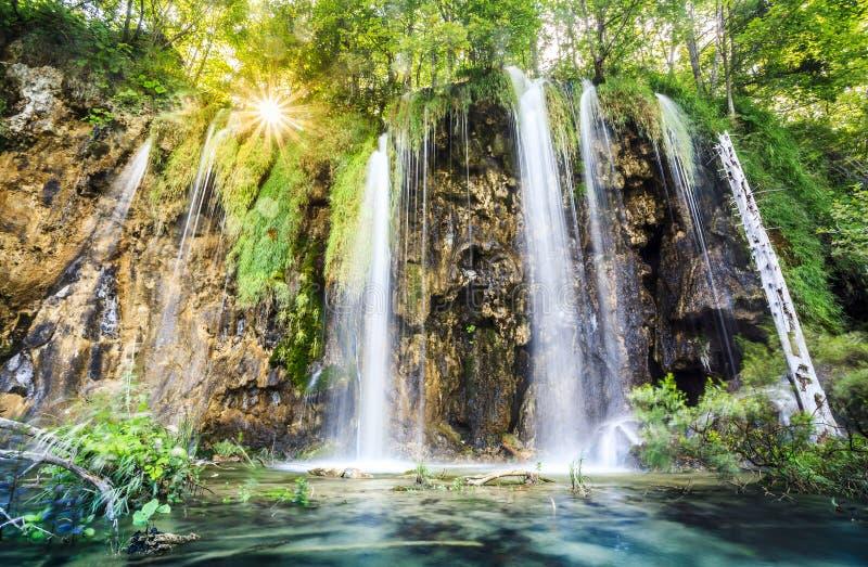 Watervallen in het Nationale Park van Meren Plitvice, Kroatië royalty-vrije stock afbeeldingen