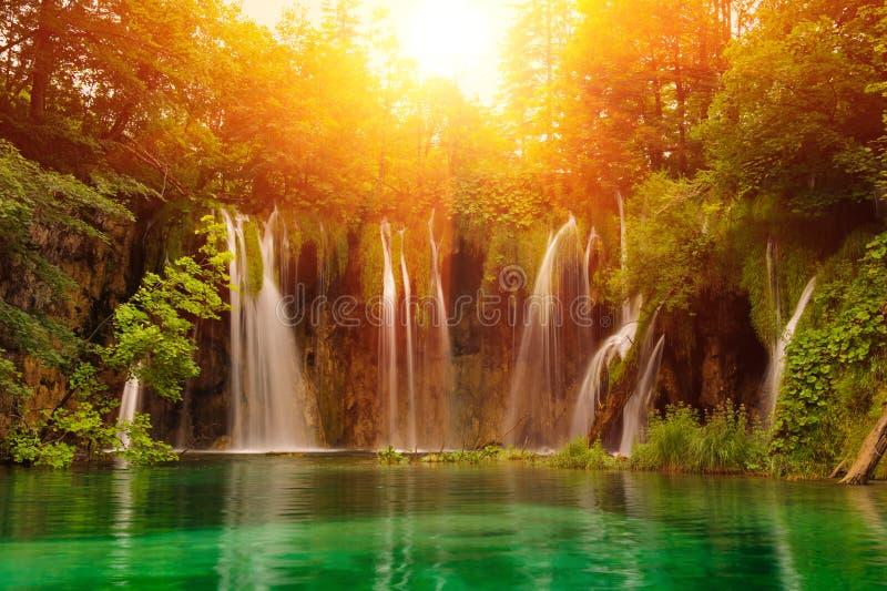 Watervallen in nationaal park. Plitvice stock afbeeldingen