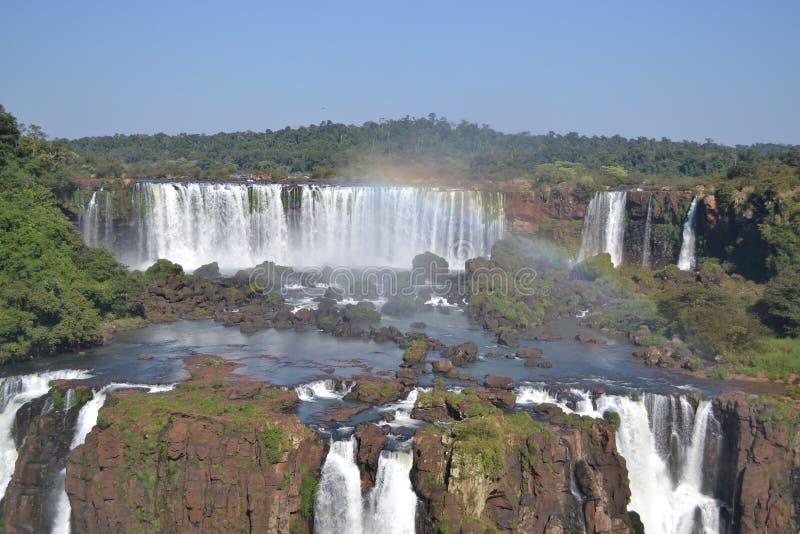 Watervallenregenboog royalty-vrije stock fotografie