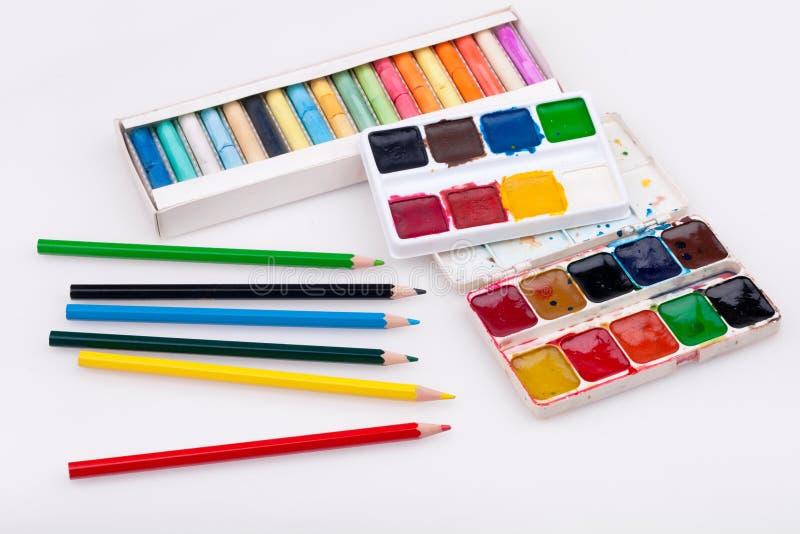 Waterverf, potlood en pastelkleuren royalty-vrije stock afbeelding