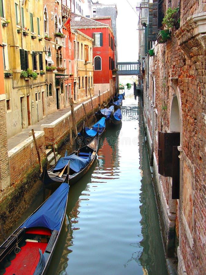 Waterweg in Venetië royalty-vrije stock afbeeldingen
