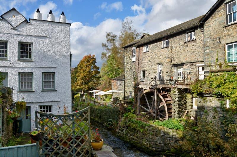 Waterwheel em Ambleside, distrito inglês do lago imagem de stock royalty free