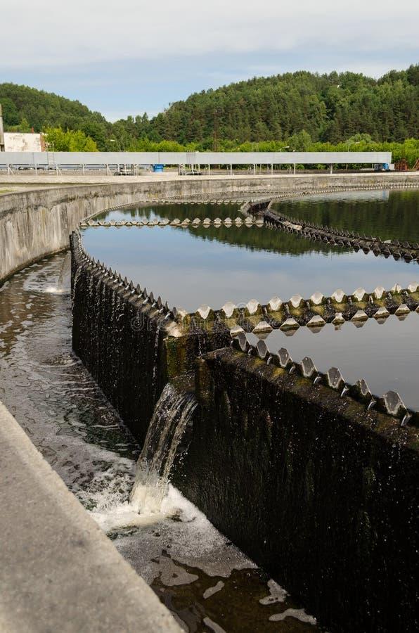 Waterwork limpiado de la clarificación del agua de aguas residuales fotografía de archivo