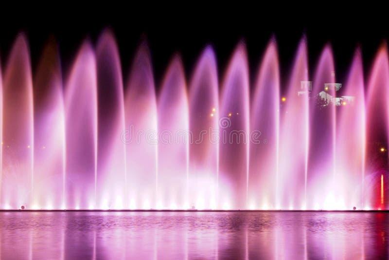 Waterworks sur le lac Abrau image stock