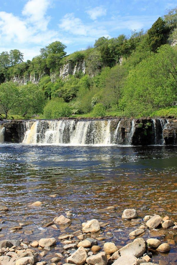 wath водопада wain swaledale усилия стоковое фото rf
