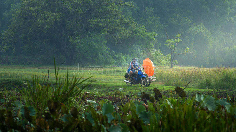 Wating στάση βροχής ψαράδων στοκ εικόνες με δικαίωμα ελεύθερης χρήσης