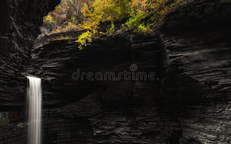 Watkins Glen Cascade Cavern imagens de stock royalty free