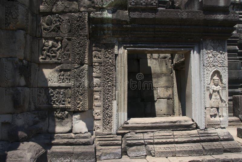 Watt d'Angkor - merci murs de ruine de temple de Prohm de la ville de khmer d'Angkor Vat - énoncez le monument images stock