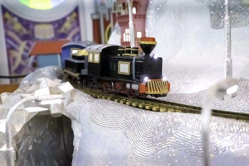 WATTENS, AUSTRIA - 1? aprile 2019: Ferrovia dentro del museo di Swarovski Crystal Worlds Kristallwelten Swarovski ? un austriaco immagine stock libera da diritti