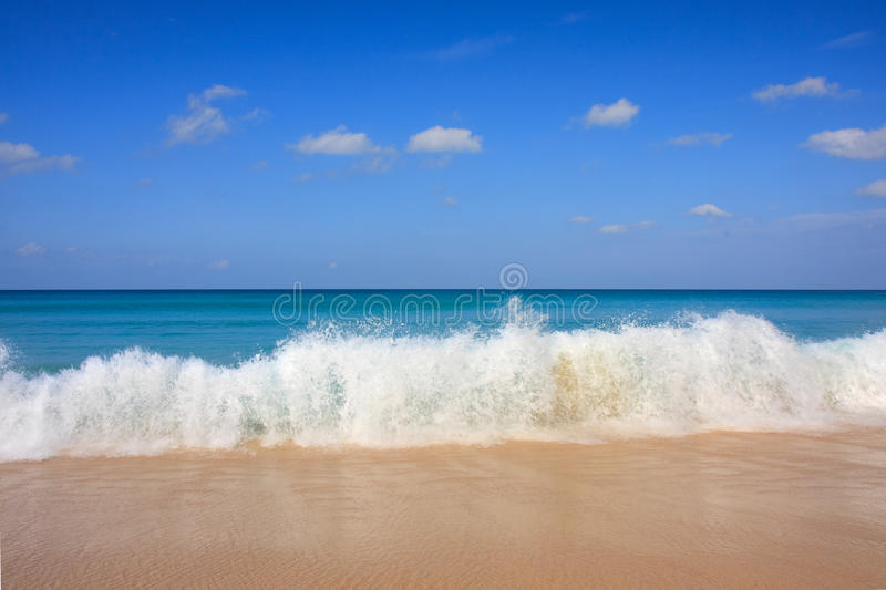 Wave Breaking Royalty Free Stock Photo