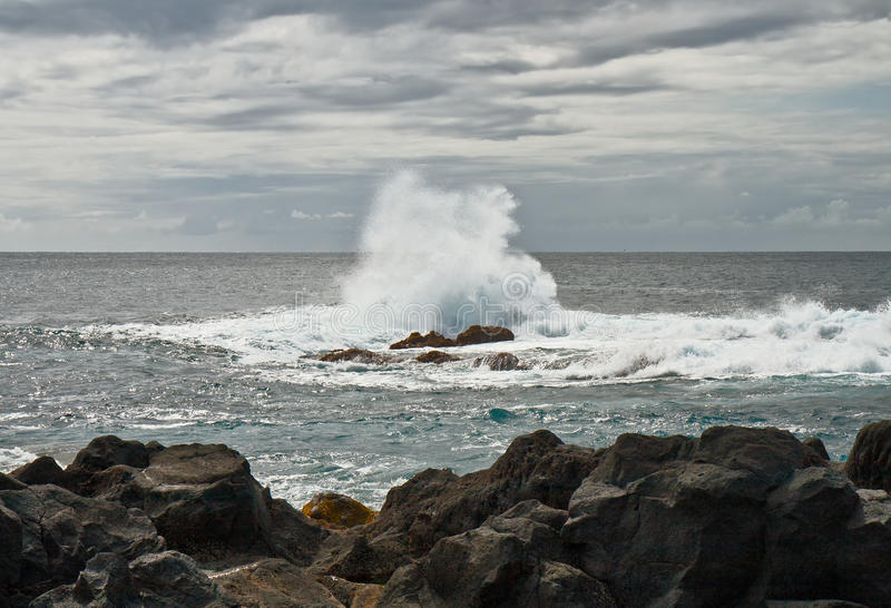 Download The Wave Breaks About Stones Stock Photo - Image: 28993718