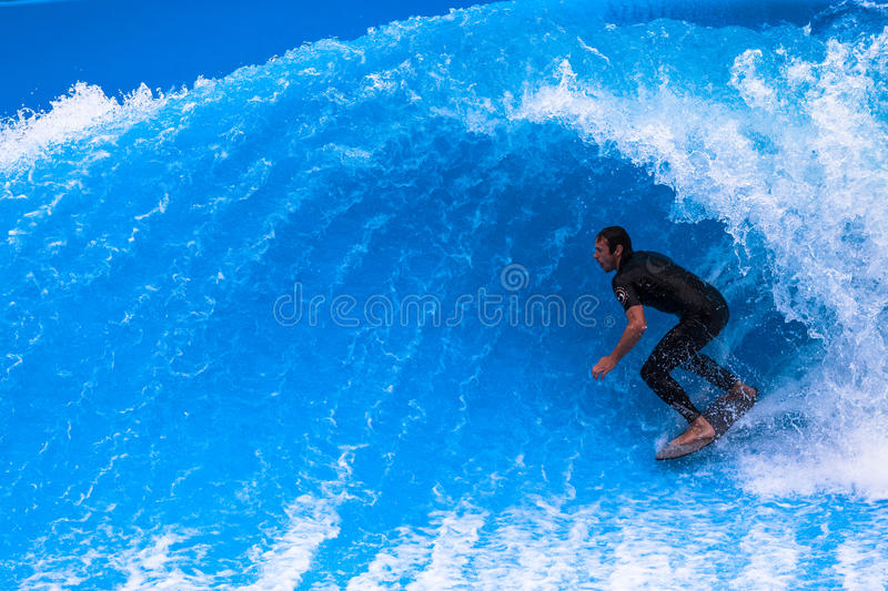 Download Wave Pool Surfer Hollow Curl Editorial Photo - Image: 26184501