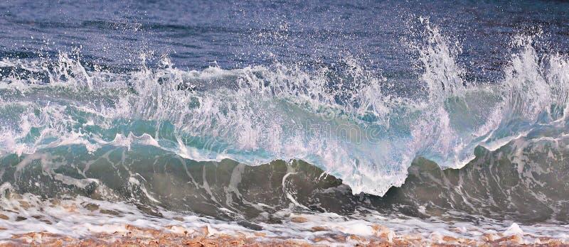 Wave sulla spiaggia fotografia stock