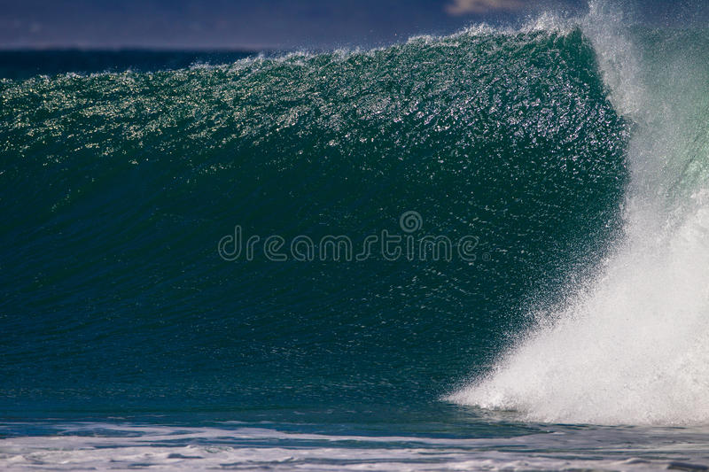 Download Wave Wall Shines Royalty Free Stock Photography - Image: 25749467