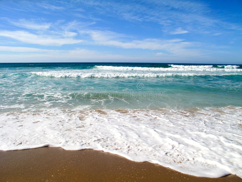 Download Waves Breaking On Shore Of The Sea Stock Photos - Image: 26503583