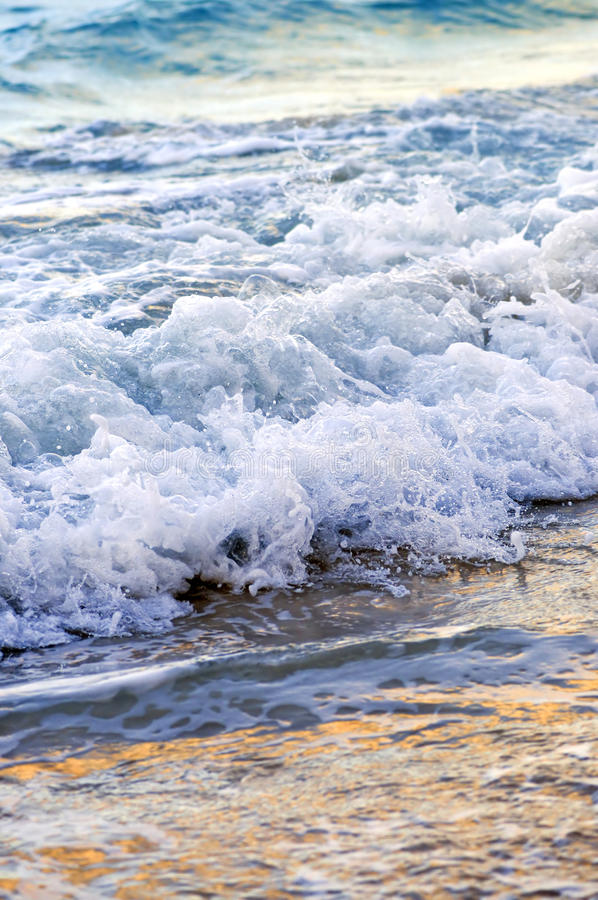 Download Waves Breaking On Tropical Shore Royalty Free Stock Photos - Image: 9905068