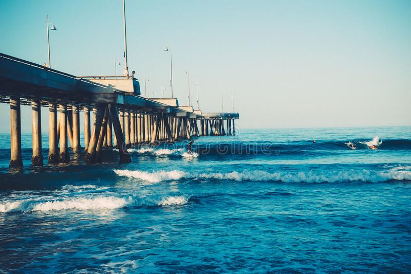 Waves Hitting Ashore Free Public Domain Cc0 Image