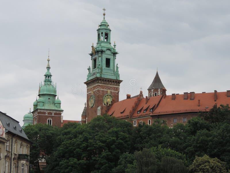 Wawel is een versterkt architectonisch complex in Krakau, Polen royalty-vrije stock foto's