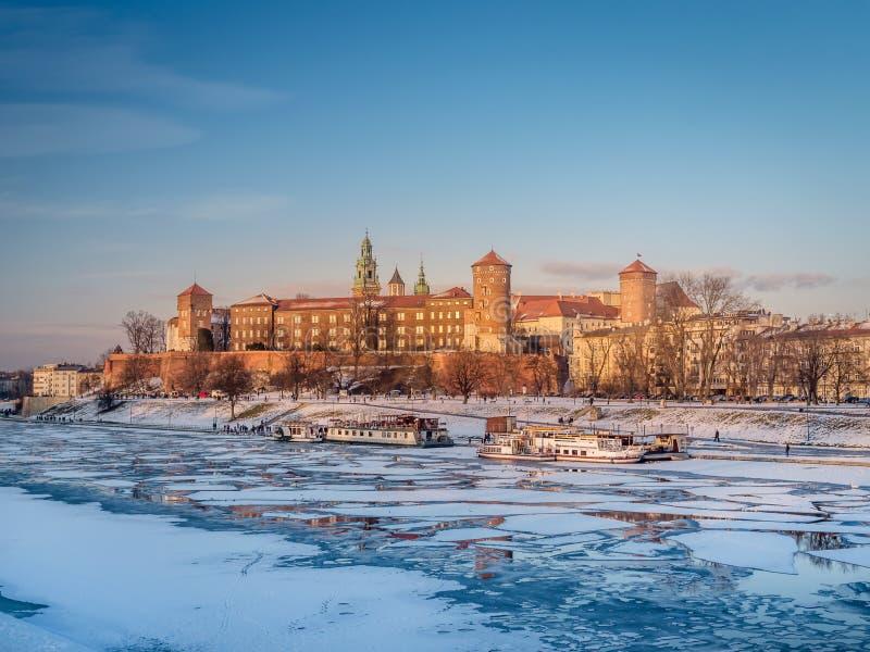 Wawelkasteel in de wintertijd royalty-vrije stock foto's