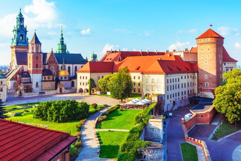 Wawelkasteel en kathedraal in Krakau, Polen stock foto