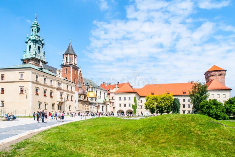 Wawelkathedraal, of de Koninklijke Archcathedral-Basiliek van Heiligen Stanislaus en Wenceslaus op de Wawel-Heuvel, Krakau royalty-vrije stock fotografie