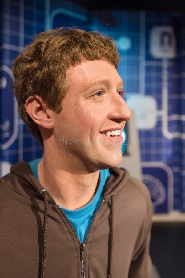Waxwork av Mark Zuckerberg på skärm royaltyfri foto
