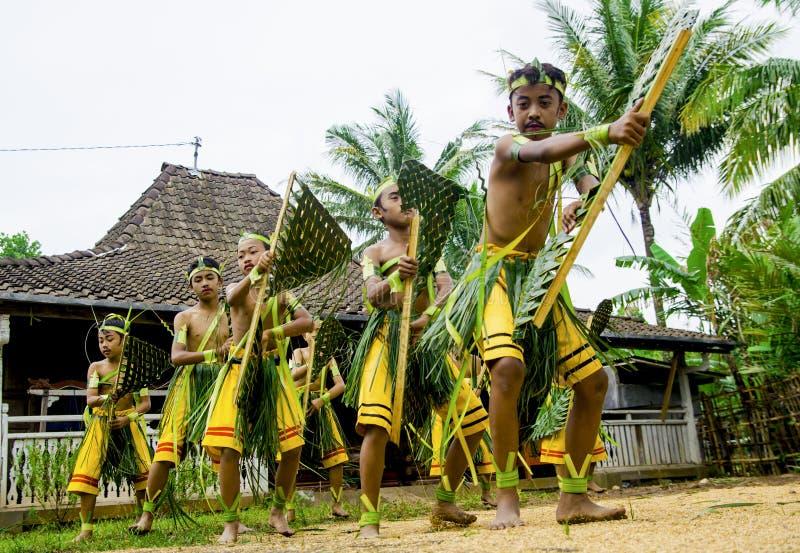 Wayang Kardus传统在Klaten中爪哇省 库存照片