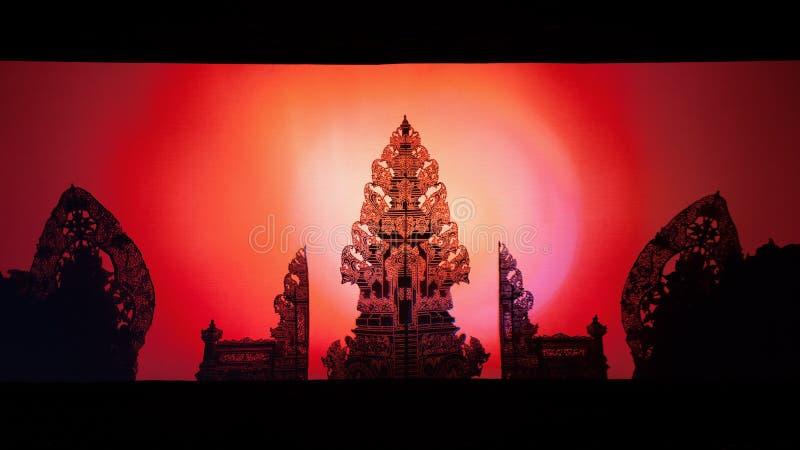 Wayang Kulit木偶 传统巴厘语寺庙黑阴影剪影  库存照片