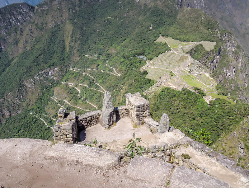 Wayna Picchu,秘鲁29 2012年:马丘比丘看法从Wayna Picchu的顶端 免版税图库摄影