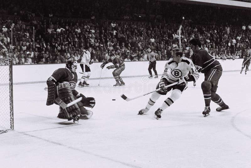 Wayne Cashman en Ken Dryden, Uitstekende NHL stock afbeelding