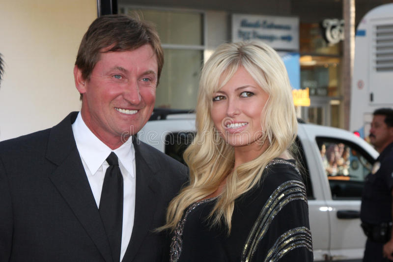 Download Wayne Gretzky editorial image. Image of daughter, arriving - 21345115