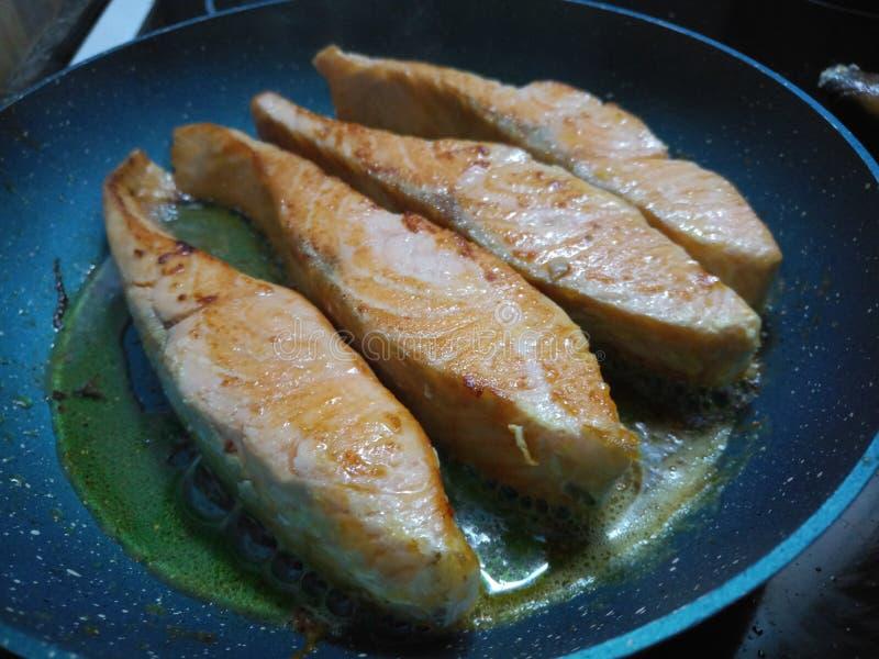 Wazeliniarski gorący kraszony łososiowy smażyć zdjęcie stock