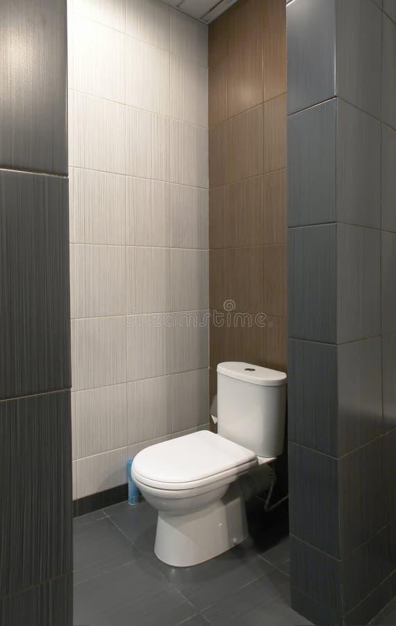 WC in hotel moderno immagini stock