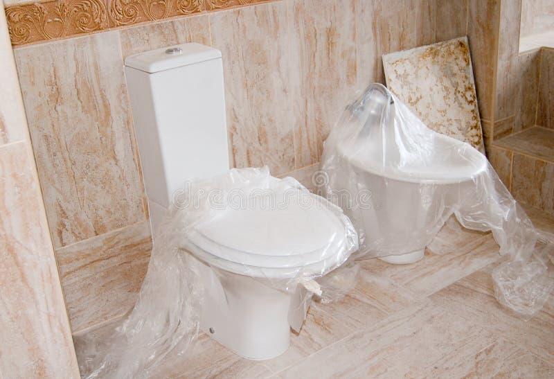 WC und Bidet lizenzfreies stockbild