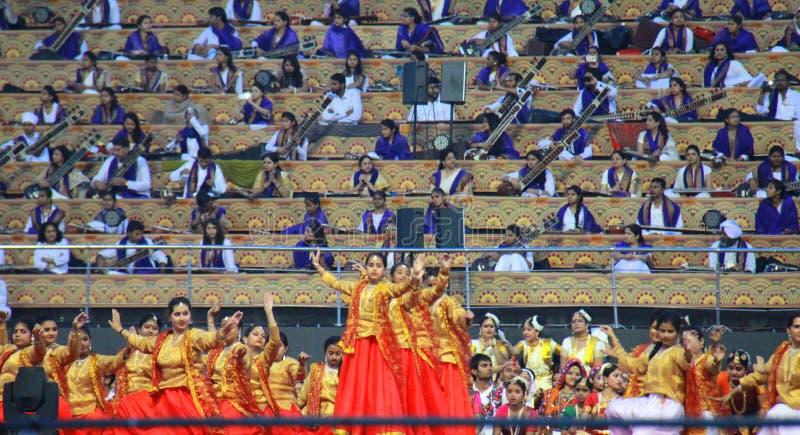WCF Delhi 11. bis 13. März 2016 am roten Kleid klassischen Tanzes stockbild